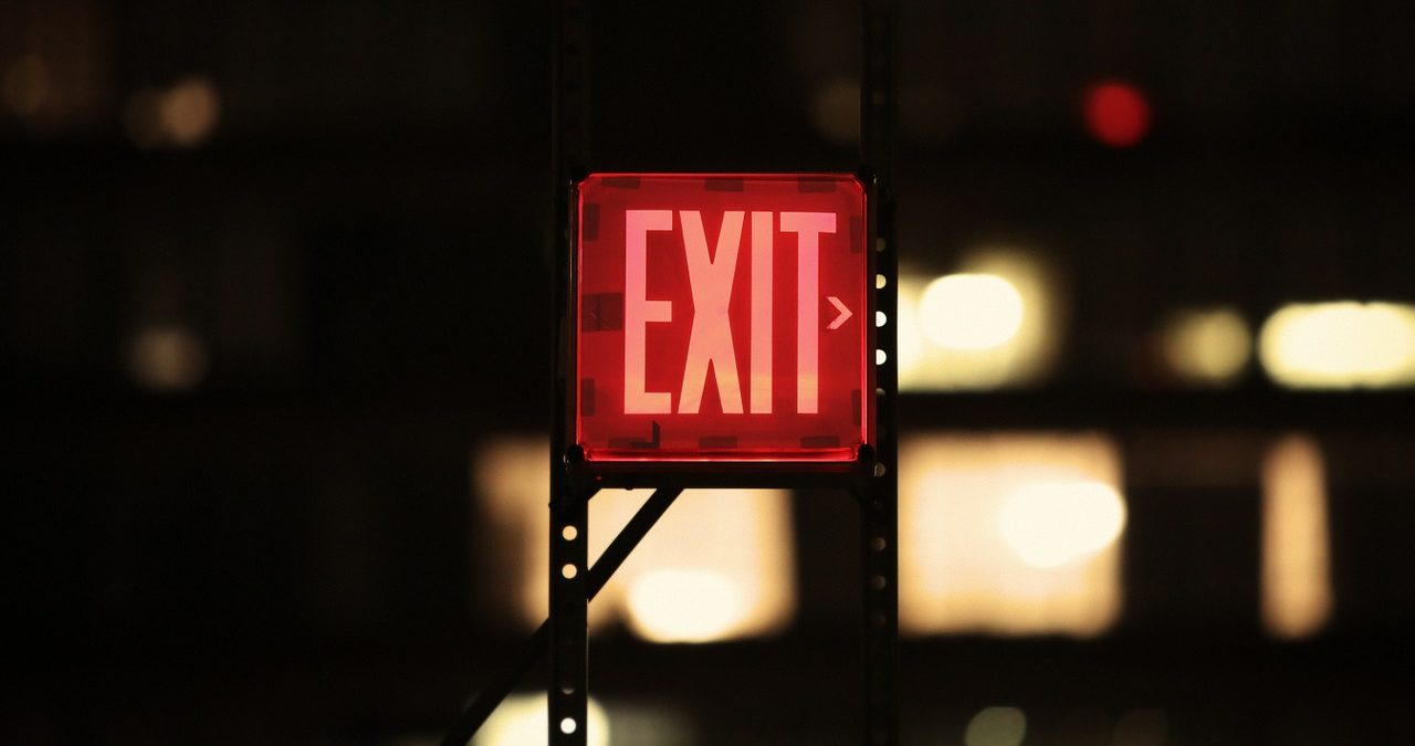 new-yorkers-keep-heading-for-exits