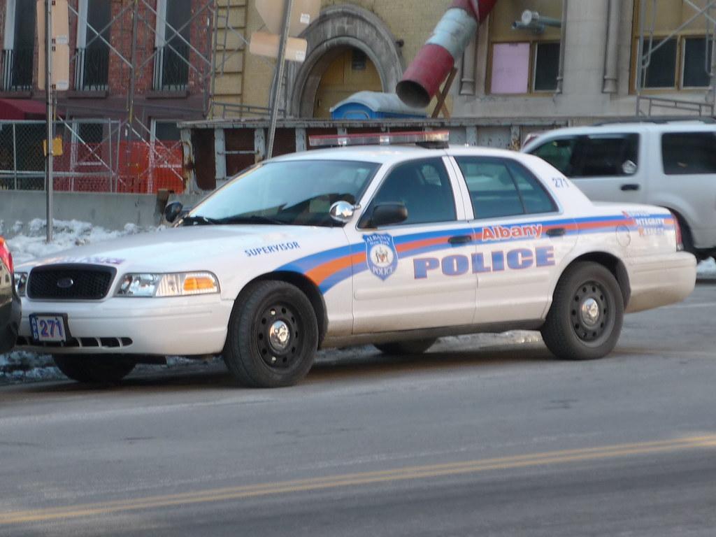 janus-uncuffs-albany-cops